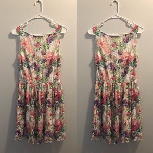 Speechless • M • ADORABLE floral